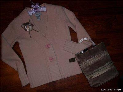 Розовая кофточка Кевин Кляйн.р 42.  Продается без сумки и брошки.